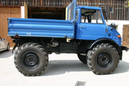 Unimog 406
